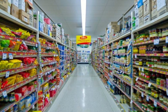 grocery-store-isle